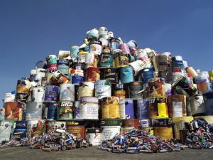http://www.grenier.qc.ca/nouvelles/376/peinture-et-piles-recyclees-grace-a-first-capital-realty-et-sgm-agence