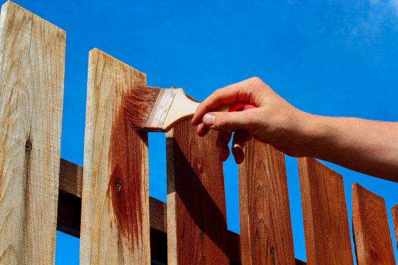 Conseils pour peindre une clôture en bois