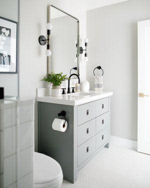 teinte pale petite salle de bain
