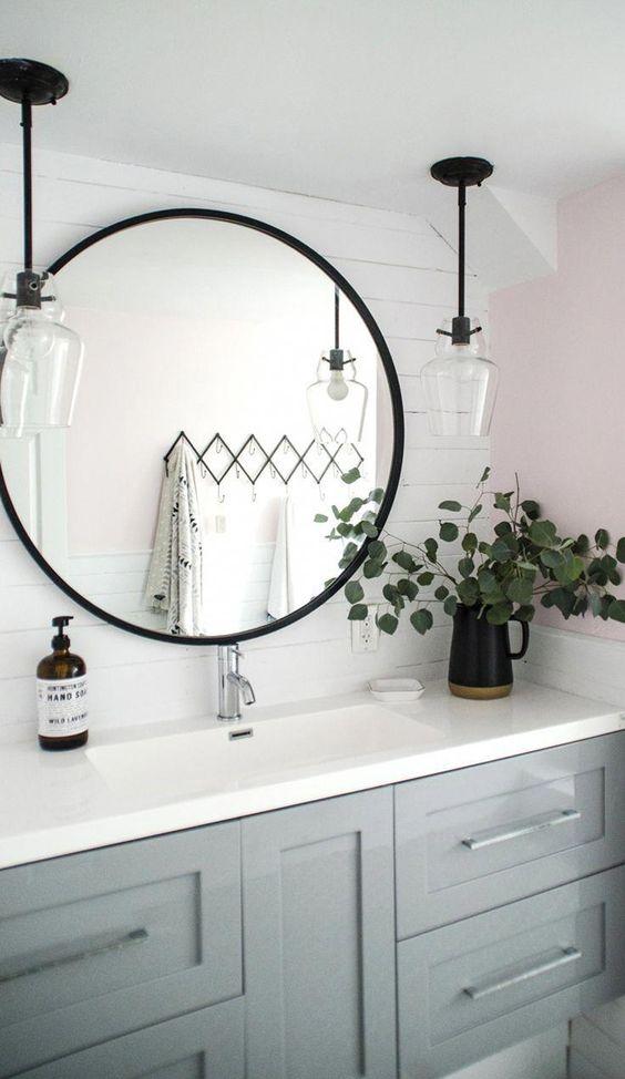eclairage noir petite salle de bain