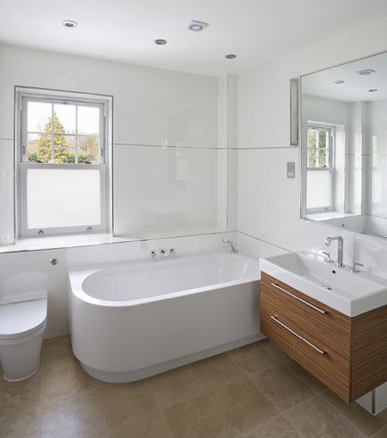 8 trucs pour faire para tre votre salle de bain beaucoup. Black Bedroom Furniture Sets. Home Design Ideas