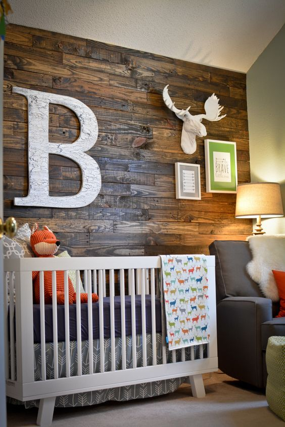 Bois chambre de bébé