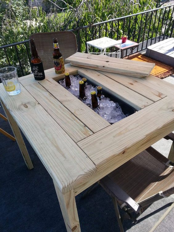 fabriquer une glacière avec une table à pique-nique