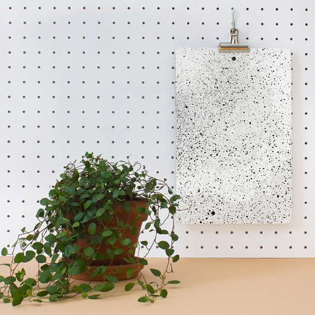 panneau perfore blanc