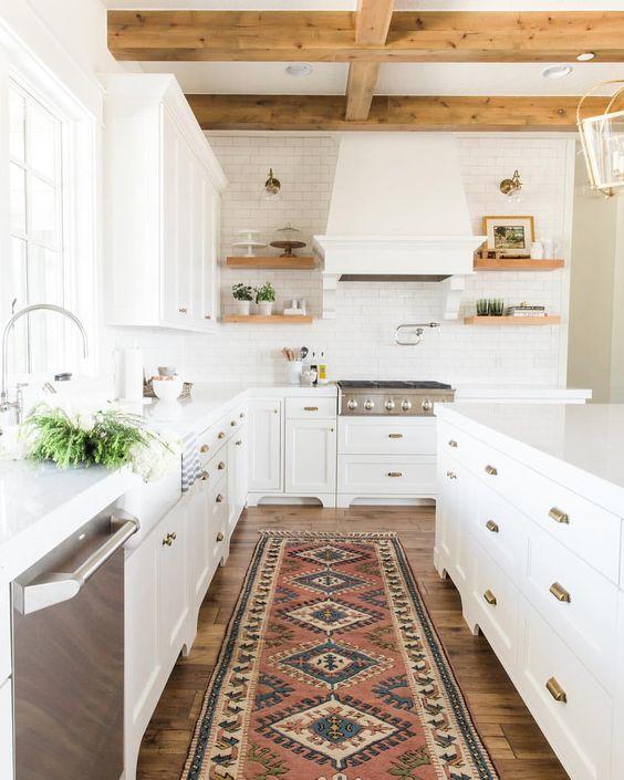 petite cuisine poutre plafond