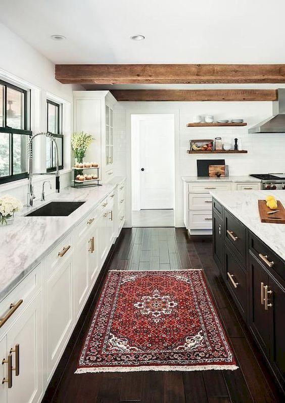cuisine blanche avec poutre plafond
