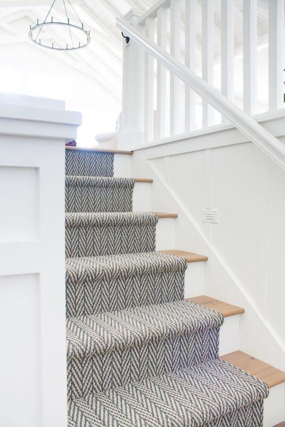 tapis de marche gris et blanc