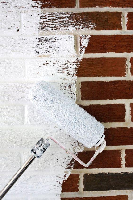 Superieur ... De Peinture. Appliquer Une Couche Du0027apprêt Sur La Brique