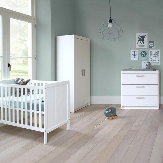 peinture chambre bebe garcon bleu gris avec luminaire vintage