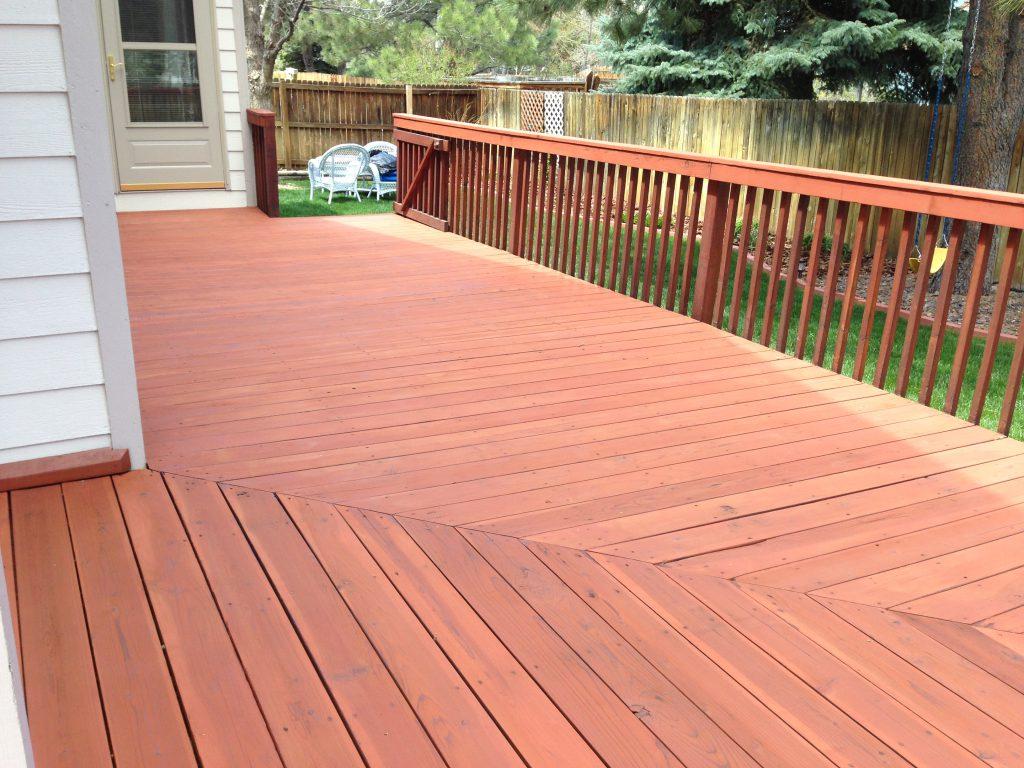 Teinture colorée pour une merveilleuse couleur de patio