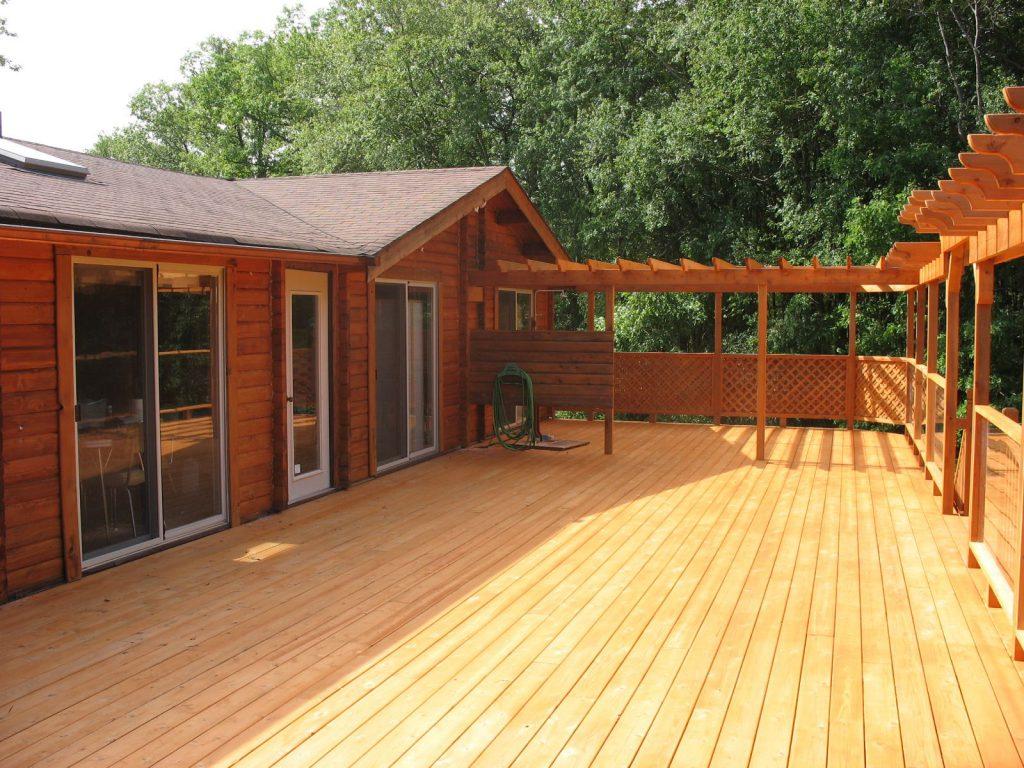Teinture de patio et maison en bois