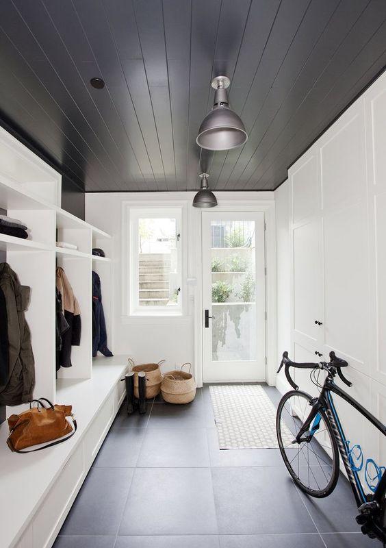 plafond bois noir