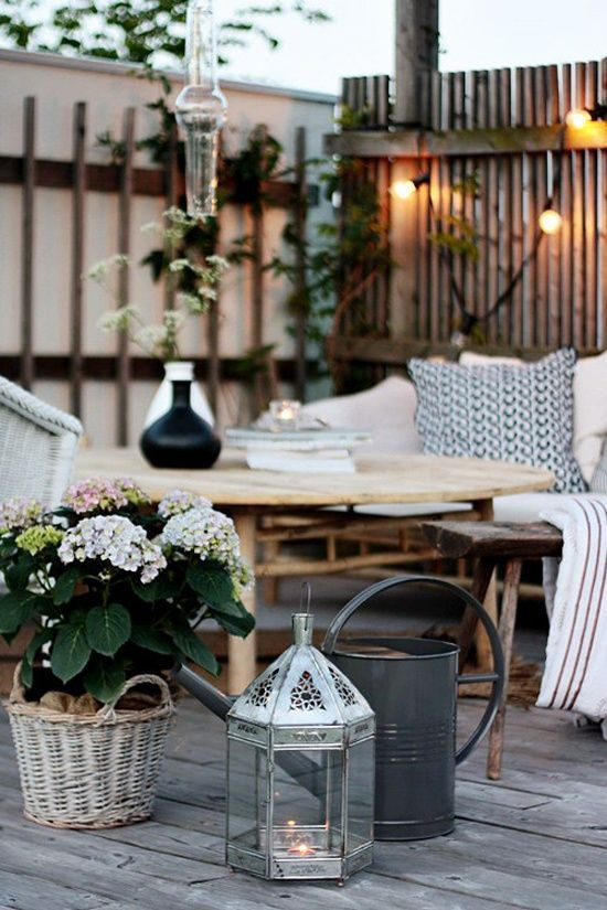 accessoires et lanterne patio