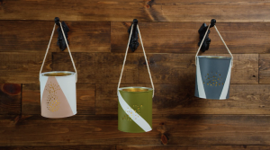 lanterne decorative contenant peinture vide