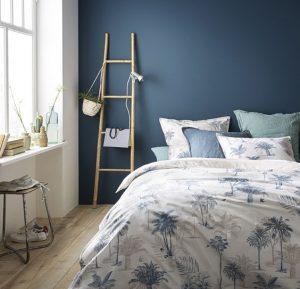 peinture mur bleu chambre a coucher