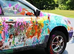 peinture couleurs sur voiture