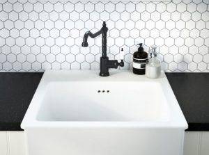 robinet noir salle de bain