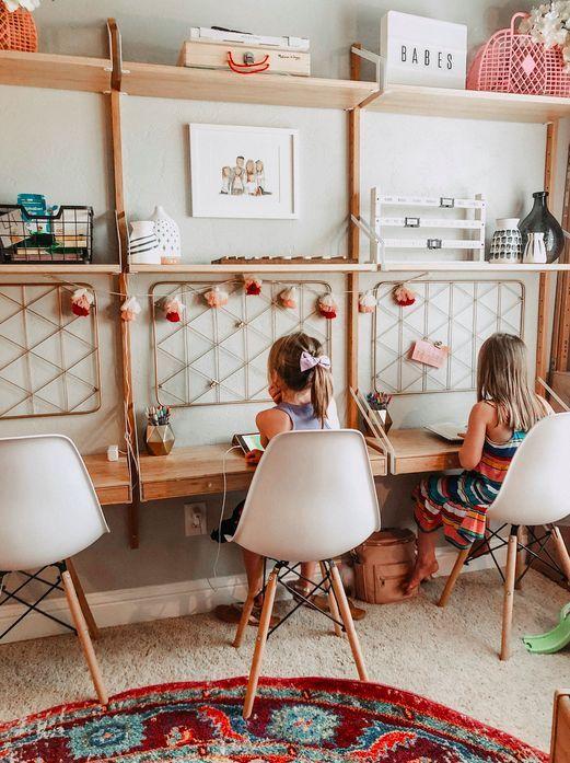 un coin bureau pour les enfants amenager en hauteur