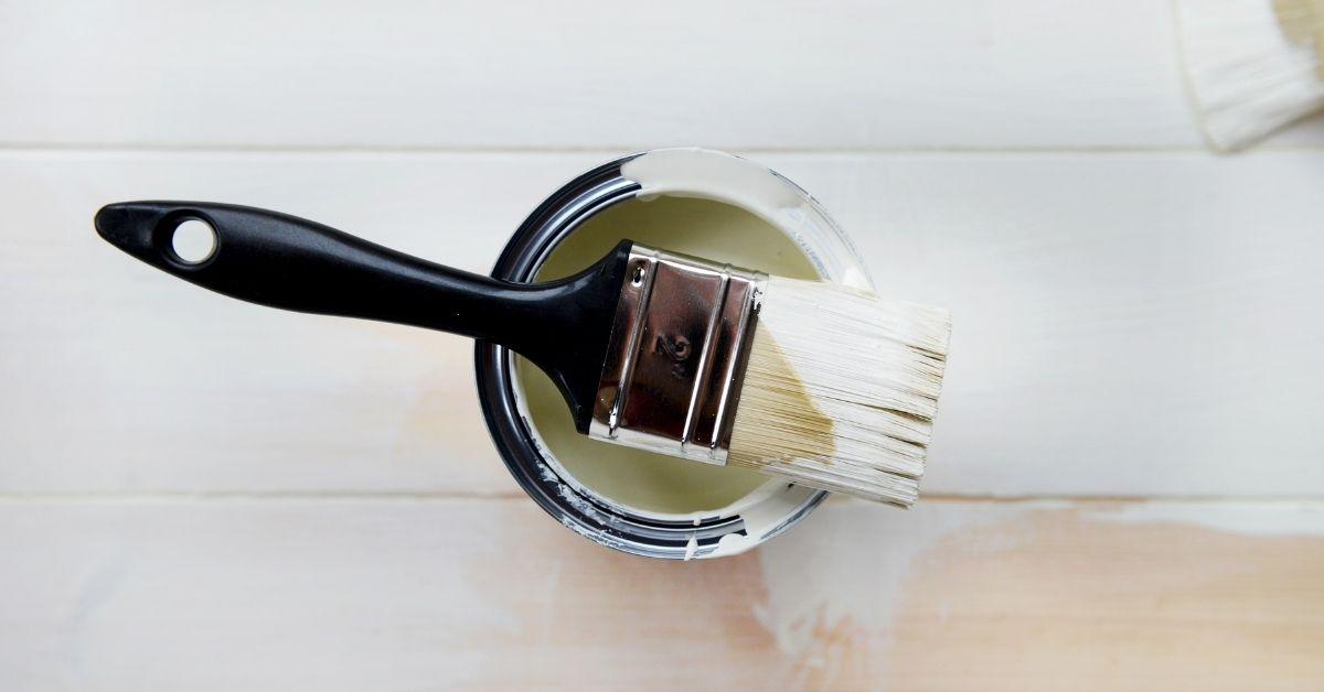 beyaz boya fırçası