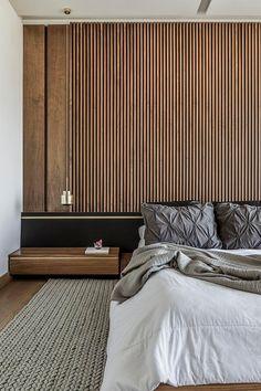 mur de chambre en lattes de bois