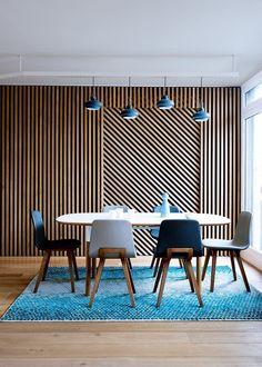mur moderne en bois avec asymetrie